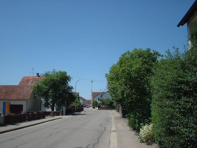 """Die Erchanstraße in Irgertsheim – benannt nach dem (vermuteten) Gründer des Orts """"Erchanhart"""""""